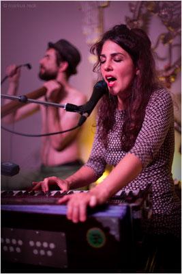 Jasmin Aynacioglu - MANTRA TRIBE