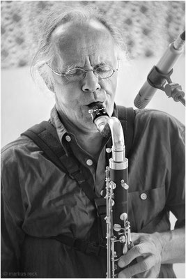 Saxophonist und Flötist SHANTAM