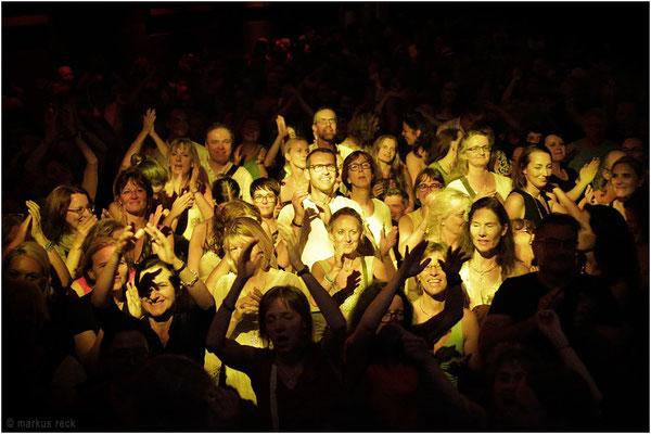 Die Gäste der FUCKED-UP-Party feiern im Muffatwerk in München