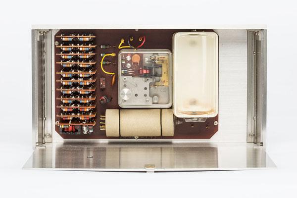 Junghans elektronic Astro-Chron, Quarzuhr im Weltzeitgehäuse 1967, Nr. 00325, Uhrwerk
