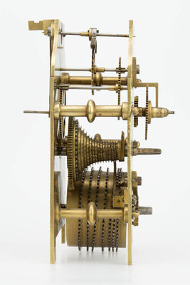 Uhrwerk Seitanansicht (Drop Dial Clock, England 19. Jahrhundert)