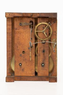 Winterhalder & Hofmeier, 8 Tage Uhrwerk mit Holzplatinen und Schlag auf Tonfeder, Rückseite