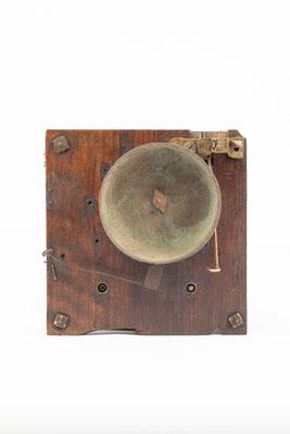 Uhrwerk mit Holzplatinen, England um 1850, Rückseite