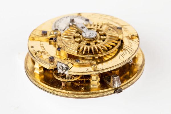 Taschenuhr mit Spindelhemmung, Kolumban Hoeffler, Lenzkirch um 1840, Seitenansicht Uhrwerk