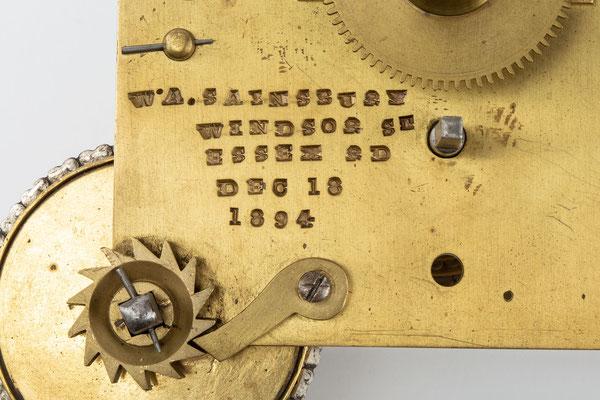 Englisches Uhrwerk, Wiliam A. Sainsbury,  London 1894, Detail Signatur