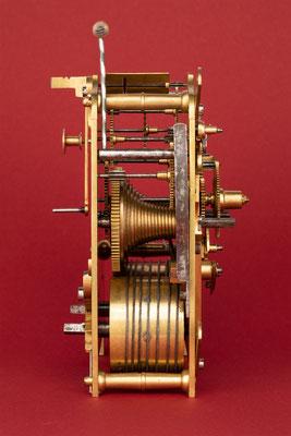 Rechenschlagwerk, Uhrmacher Anton Breger, Vöhrenbach im Schwarzwald um 1860, Seitenansicht von links