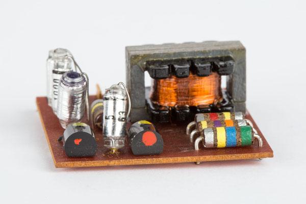Junghans elektronic Astro-Chron, Quarzuhr im Weltzeitgehäuse, 1967, Nr. 00028, eletronisches Bauteil