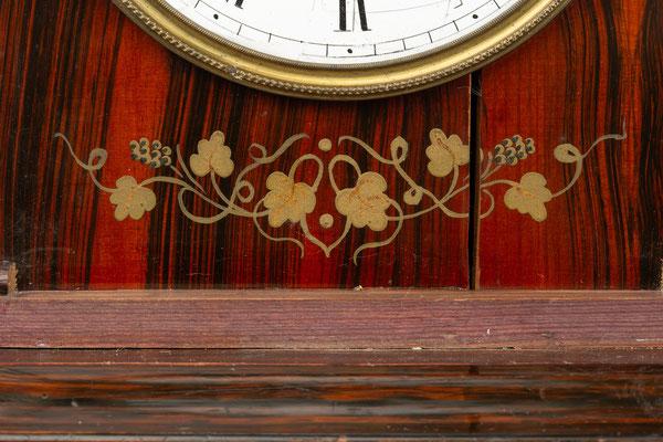 Stockuhr nach der Restaurierung, Detail Verzierung