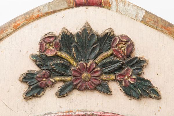 Detail Blumenmotiv, Lackschild mit barocker Formensprache, Gregor Blöt in Neustadt, um 1830
