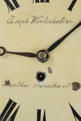 Schwarzwälder Hochzeitsuhr (Drop Dial Clock, England 19. Jahrhundert)