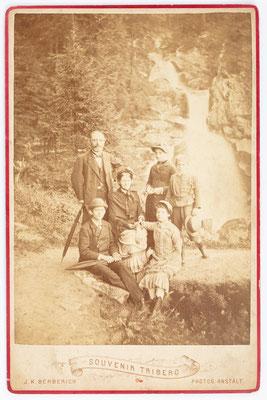 Historisches Familienfoto am Triberger Wasserfall, J. K. Berberich Triberg, 27. Juli 1883