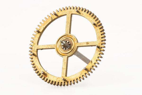 Räderwerk Regulator, Furderer, Jaegler & Cie, Strasbourg, Hebnägelrad mit eingeschlagener 8