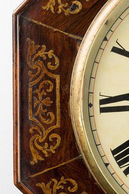 Detail Verzierung (Drop Dial Clock, England 19. Jahrhundert)