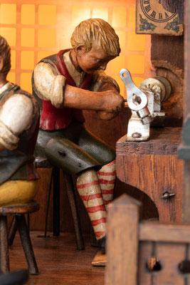 Schwarzwälder Uhrmacherwerkstatt: Dreher