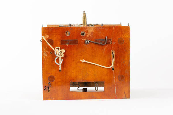 Lackschilduhr mit Schlossscheibenrepetition, Mathias Kammerer, Stockwald 1854, Boden