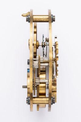Chronometergang mit Gangfeder, Uhrmacherschule Furtwangen, um 1925, nach der Restaurierung, Seitenansicht ohne Dose