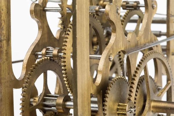 Detail des Uhrwerkes von K. Fuchs, Vöhrenbach um 1880