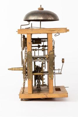Lackschilduhr mit Schlagwerk und Wecker, Ph. Haas & Söhne, um 1900, Uhrwerk Seitenansicht von rechts