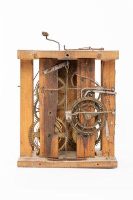 Lackschilduhr mit Schlossscheibenrepetition, Mathias Kammerer, Stockwald 1854, Rückseite ohne Rückwand