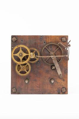 Uhrwerk mit Holzplatinen, England um 1850, Zifferblattseite