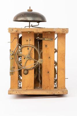 Lackschilduhr mit Schlagwerk und Wecker, Ph. Haas & Söhne, um 1900, Uhrwerk Rückseite