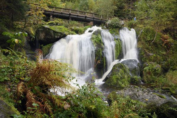 Triberger Wasserfall mit Holzbrücke