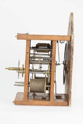 8-Tage Uhrwerk - Seitenansicht rechts - Fidel Krieger Uhrenmacher in Lenzkirch (Schwarzwald) um 1850