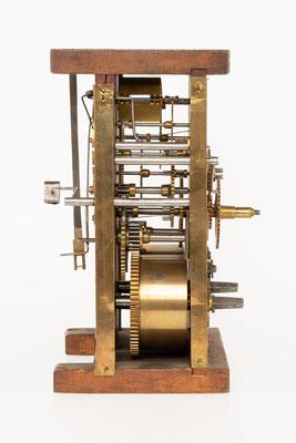 Camerer, Kuss & Co., Drop Dial Clock, 1876, Uhrwerk Seitenansicht