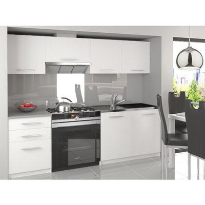 Fabricación de muebles de cocina para apartamentos turísticos.