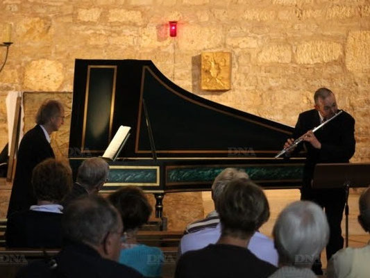 Mit Heinrich Walther in der Kirche St-Jacques-le-majeur in Feldbach, 2013. (Foto: Journal DNA)