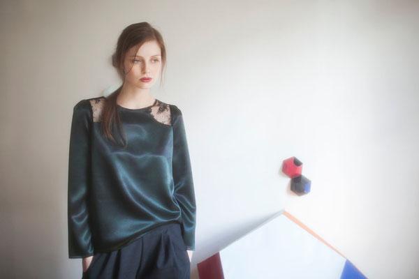 Néphélie, blouse, 100% polyester japonais, empiècement dentelle 100% polyester - Collection Thalia - Jeanne Berre