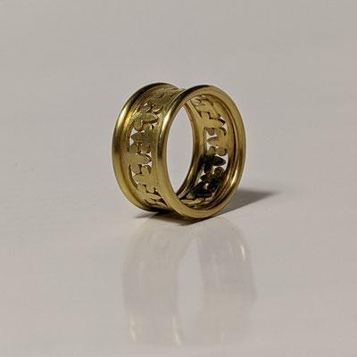 Ringe 750 Gold, Lilienornament gesägt