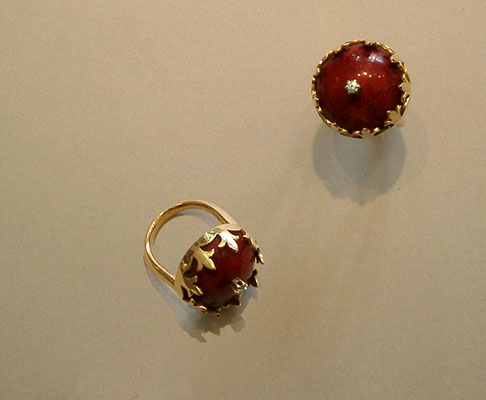 Ring 750 Gold, Schaumkoralle, Brillant