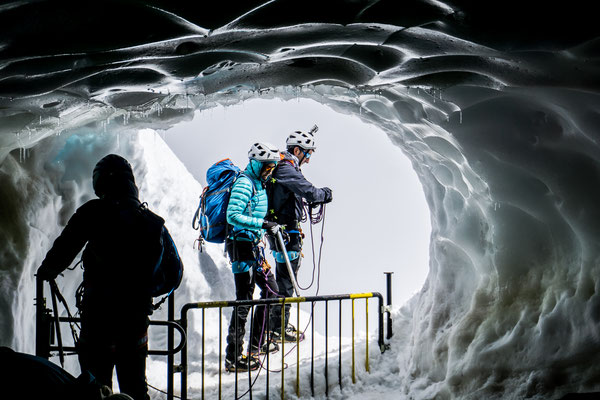 Unsere Adventure Events führen auch mal in einen Gletscher.