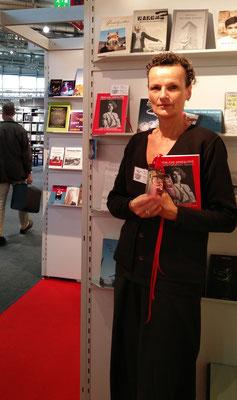 Frankfurter Buchmesse 2016 mit dem Roman Weibliche Genealogie von Ljiljana Habjanovic Djurovic, Foto: Beatrix van Ooyen