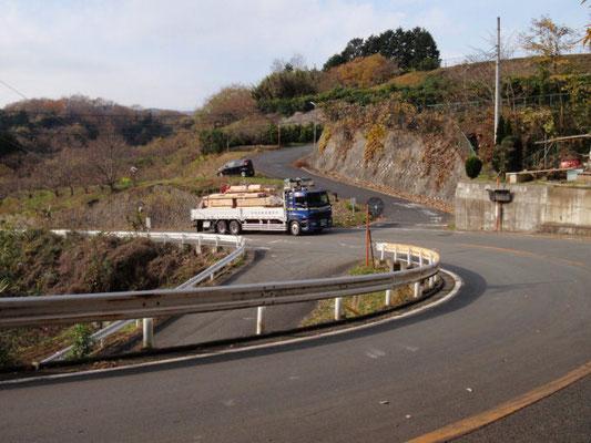 奈良県の製材所より到着した木材