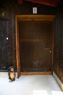 玄関の蔵戸