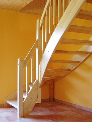 Offene 1/4-gewendelte Treppe mit eingestemmten Stufen