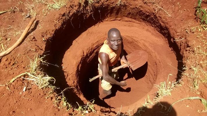 Der neue Brunnen wird gebohrt...