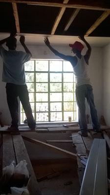Der Ceiling Trupp bei der Arbeit...