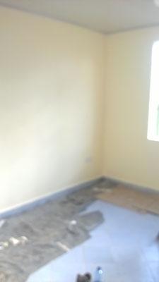 2 Wände fertig gestrichen...