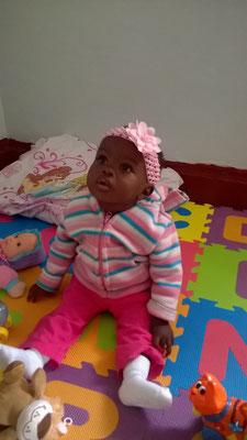 Mercy ist 10 Monate alt und schon ohne Eltern, sie ist das erste Baby in dem Haus