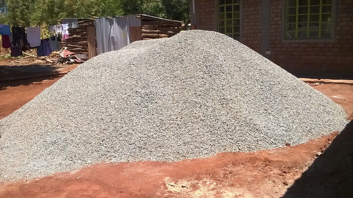 The gravel heap is waiting to be spread...