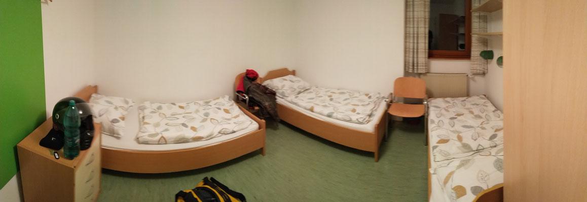 Jugendherberge - Herr über 3 Betten