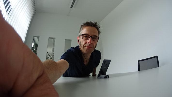 Webmeeting im Coworking-Space