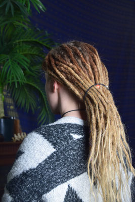 Dreaderstellung, neue Dreads in Berlin 037 (50 Dreads mit Extensions)