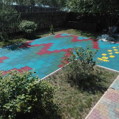 резиновая плитка gummi травмобезопасное покрытие детских площадок