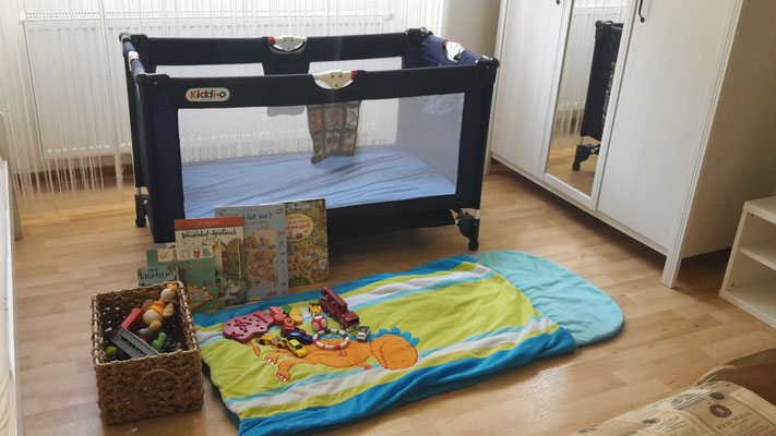 bedroom with babybed