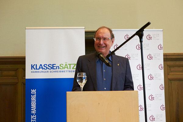 """Hanno Rinke, Vorstand der Guntram und Irene Rinke Stiftung, Hauptförderer von KLASSEnSÄTZE: """"Wir wollen junge Menschen fördern, die schreiben wollen. Wir sind froh, das Anliegen unserer Stiftung nun auch an unserem Stammsitz Hamburg voranzubringen."""""""
