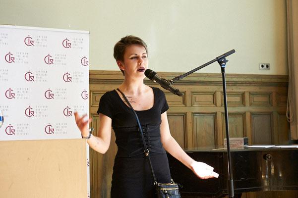 Zum Abschluss gab es noch zwei Texte von einer, die schon etwas weiter ist: Maria Odoevskaya gewann mit 17 ihren ersten Literaturpreis.